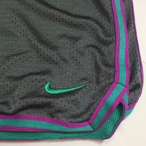 Nike Athletic  Basketball Shorts Gray Lined XL